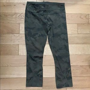 LuluLemon Camo 28 inch stretch legging